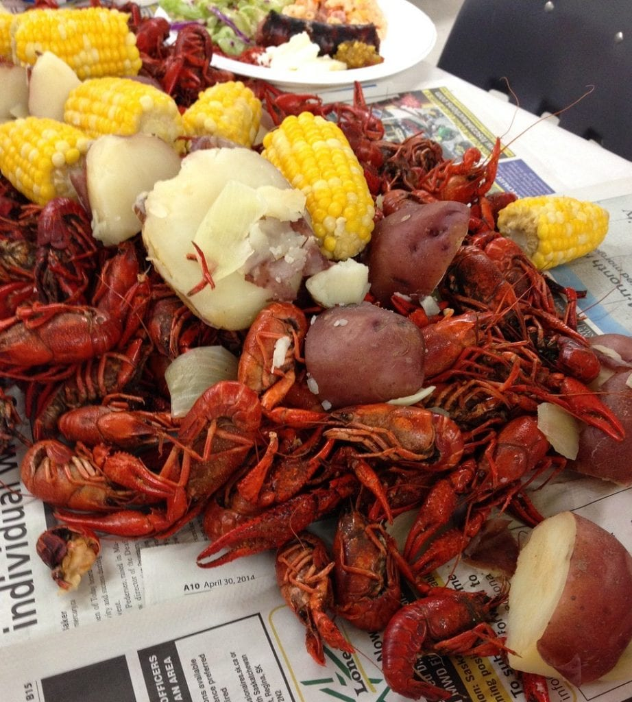 The Backpacking Housewife Crawfish Boil