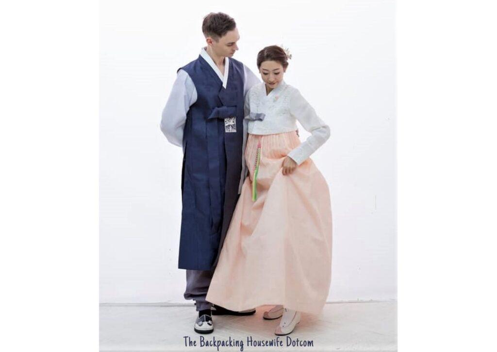 Traditional Korean National Dress The Wedding Hanbok The Backpacking Housewife Dotcom