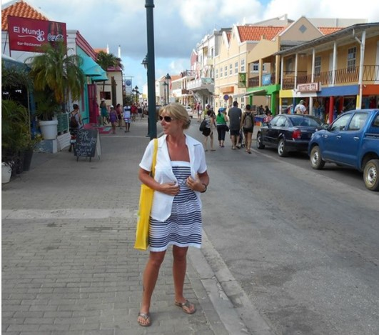 The Backpacking Housewife shopping on the French Caribbean island of St Barthelemy